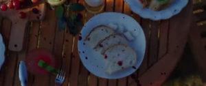 Parazit scena iz filma tanjir